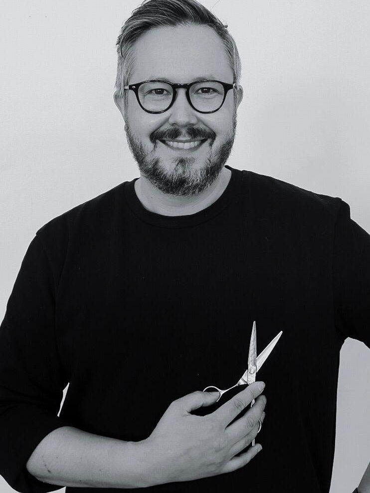 Tonny Hernesniemi - hiusmuotoilija