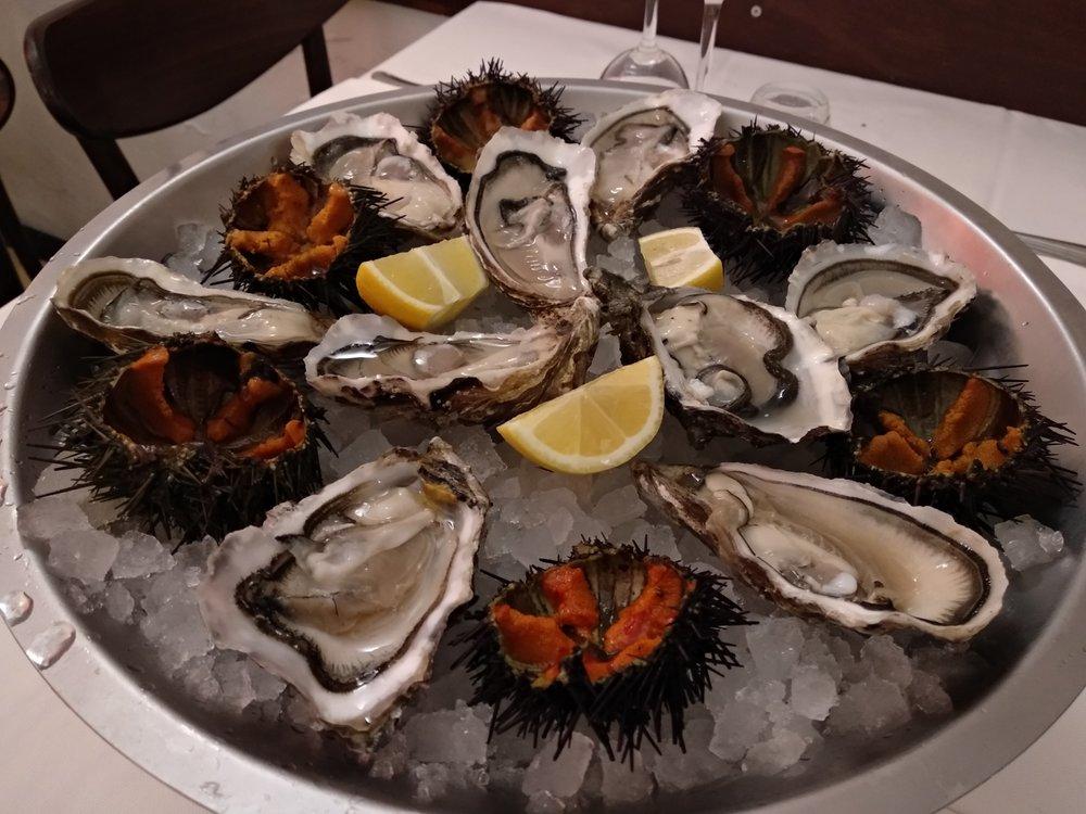 oysters-seaurchins.jpg