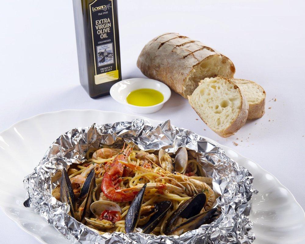 TrattoriaDelPescatoreHK-SeafoodSpaghettiCartoccio.jpg