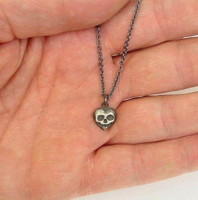 Smaller than a dime! Heart skull pendant! DM for more information! #gothjewelry #gothiclolita #gothicjewelry #heartjewelry #skulljewerly #sterlingsilverjewelry #detroit #rocknroll #rockstar #edgy #fashion
