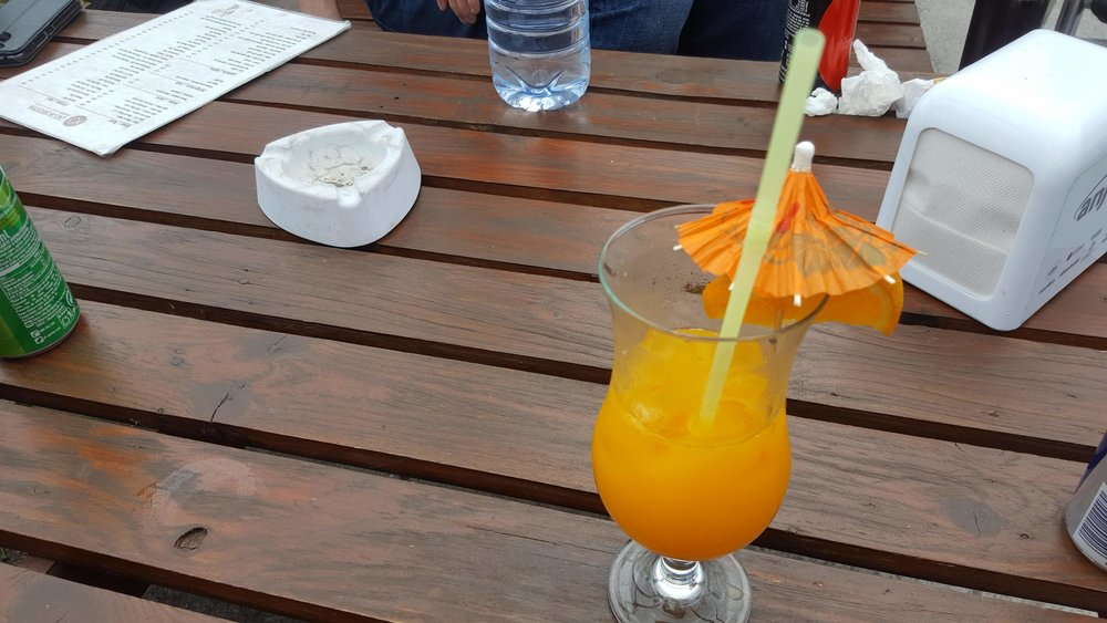16.00 local time in Azores: The freshly made orange juice was absolutely delicious!