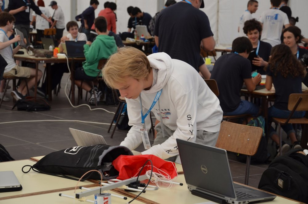The day's busy schedule kicked off with drop tests and technical inspections from the judges. The already documented drop test went fairly well and the technical inspection only saw one easily fixable hitch.