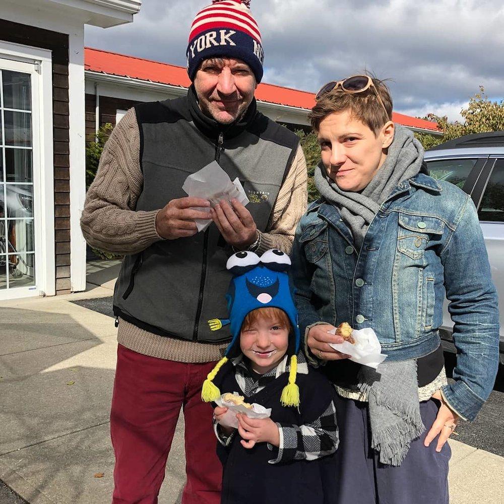 Daisy with parentmate Kurt & son Monty