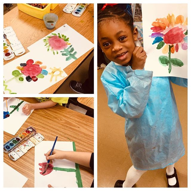 1st graders learned about Georgia O'Keeffe and painting flowers 🌸 🌼