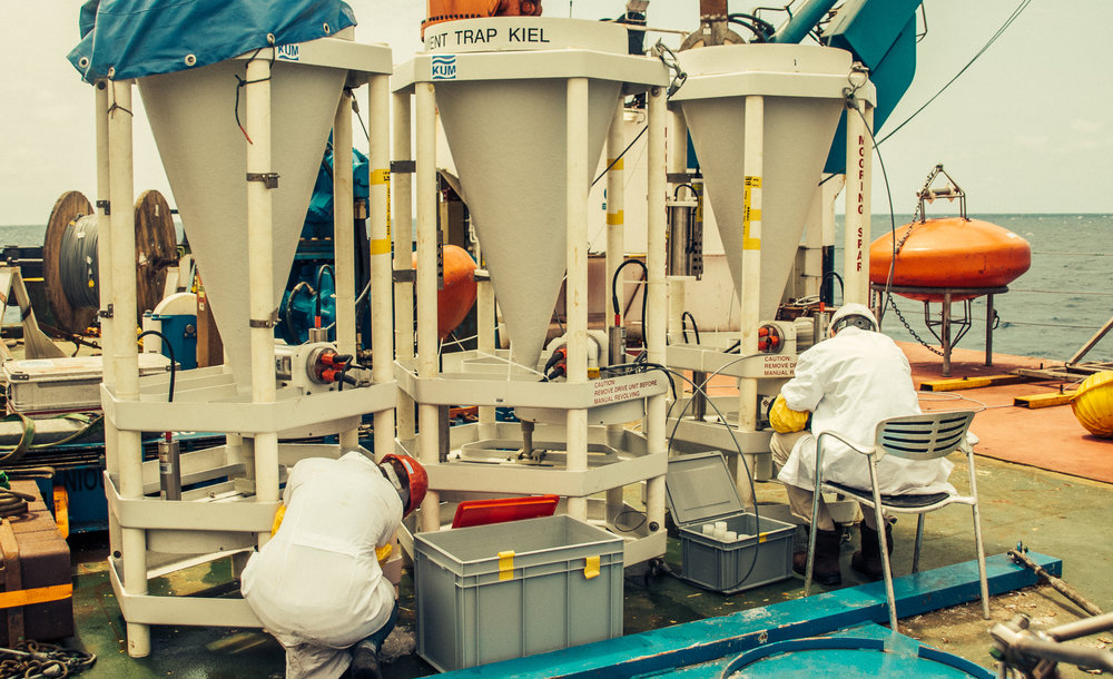 Our team preparing the sediment trap carrousels to be redeployed on station M1 (12ºN, 23ºW).