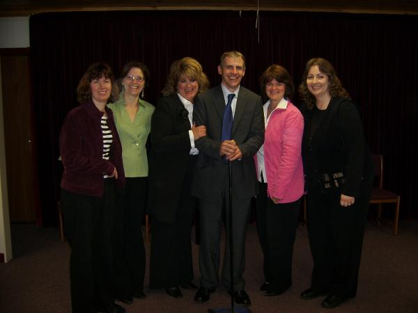 M4 ladies with Host Robert.JPG