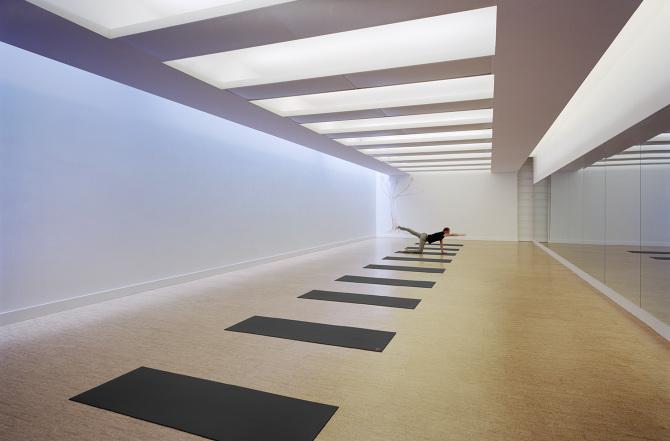 DXA_Florian Hozherr_Modo-Yoga_1_670.jpg