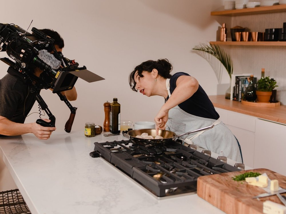 What the 'Pivot to Video' Looks Like at Condé Nast - April 4th, 2018 | New York TimesIt took three men two hours to shoot a 63-second overhead instructional video of Laura Rege, a recipe deve...Read More