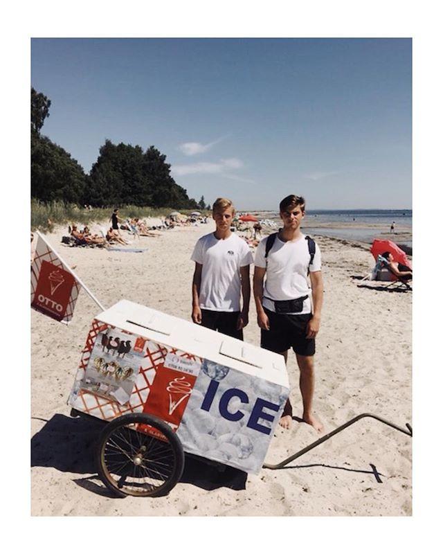 Vilka är på stranden idag?! Missa inte oss om ni vill svalka er med en Ottostrut eller något annat smarrigt 🍦 vi ses på beachen! || #ottoglass #somenglassbordesmaka #ottobeachglass2018