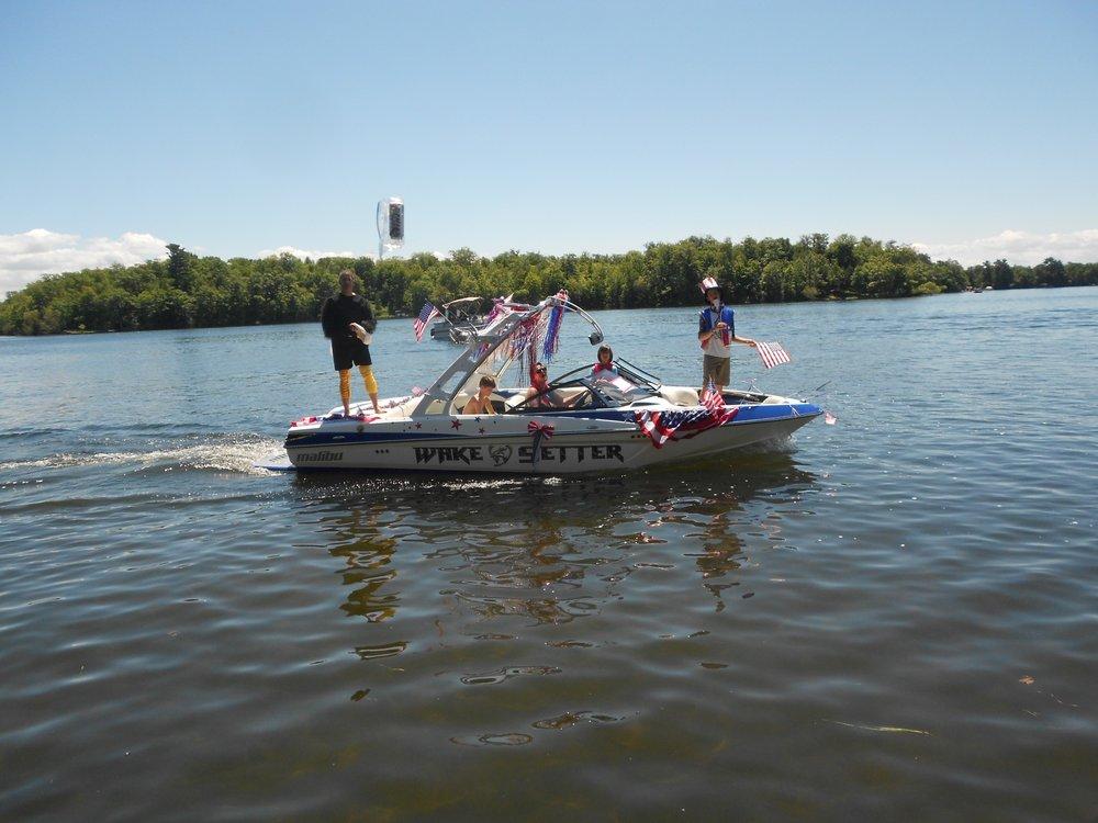 LLPOA Boat Parade 008.jpg