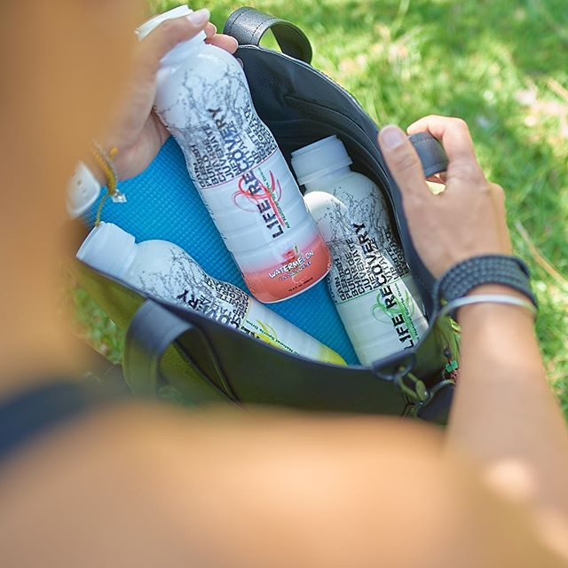 There's no such thing as being overly prepared is there?? #howdidyourecover . . . . . #liferecoverywater #lifestyle #fitness #coconutwater #hydrate #focus #nutrition #natural #athlete #cleaneating #cardio #organic #healthylife #wellness #yoga #fitness #eatclean