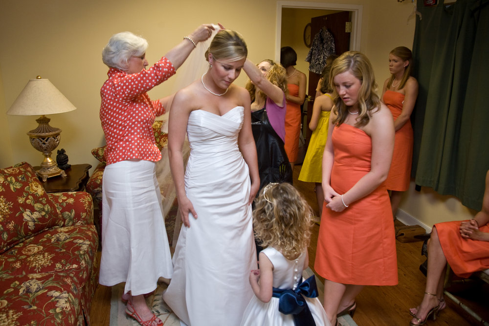Heather (in pink) helping with my hair in 2008.