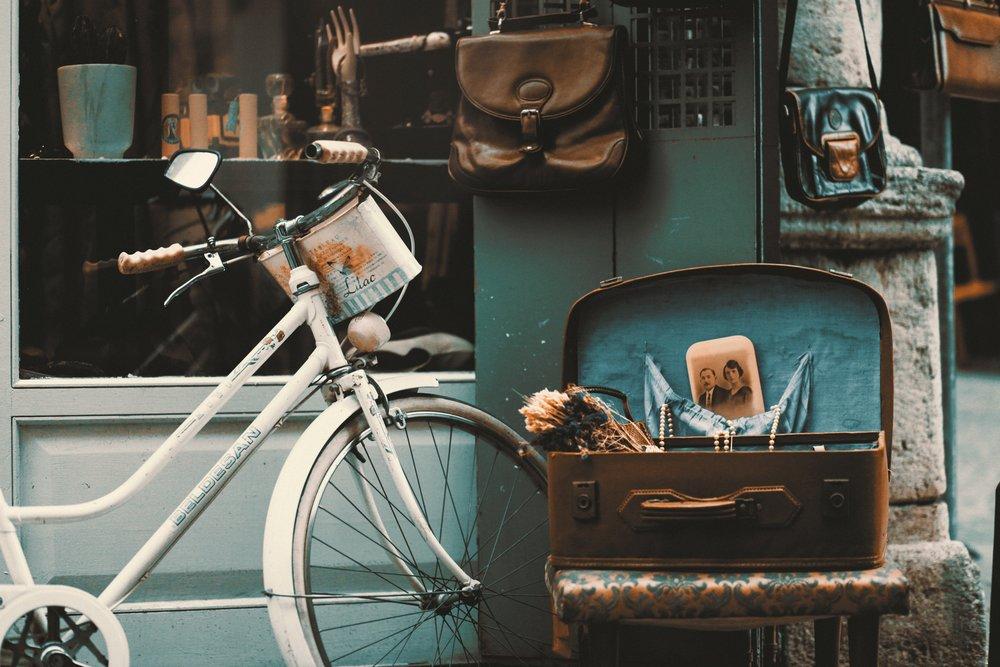 antiques-bicycle-bike-247929.jpg