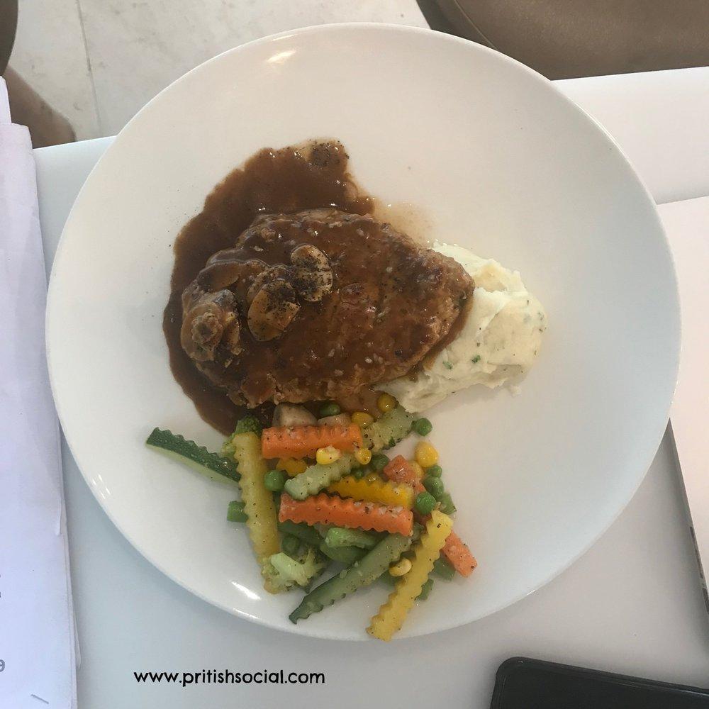 Cannoli Café Jubilee Hills Food Grilled Chicken PritishSocial.jpg