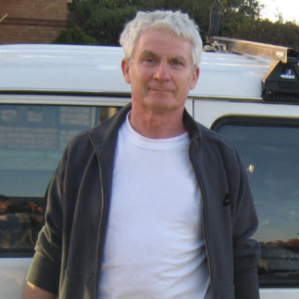 Valdemar Gluchowski  Founder & Principal Painter