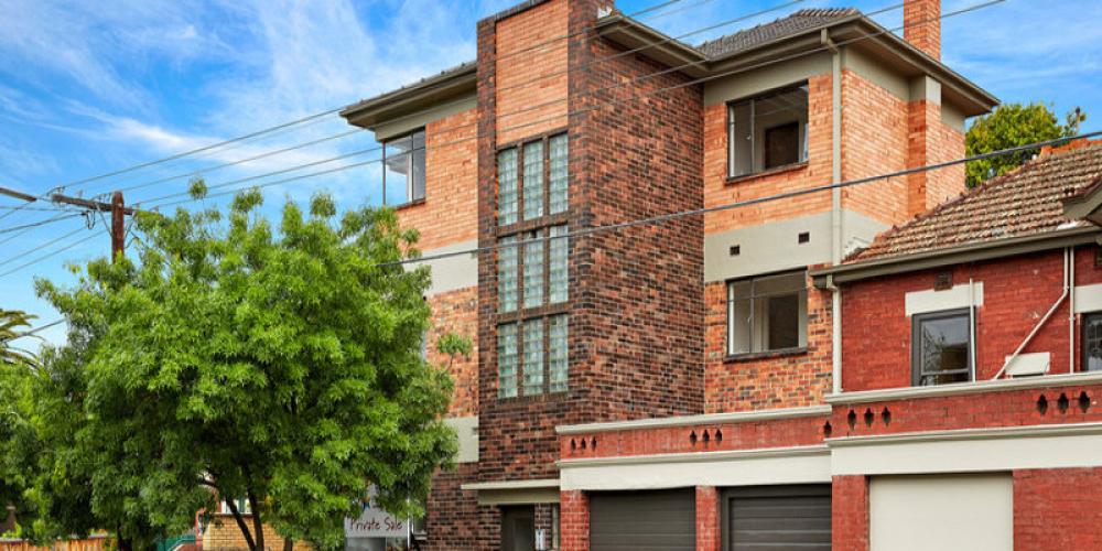 valdemars-house-exterior-painting-elwood-1lrg.jpg
