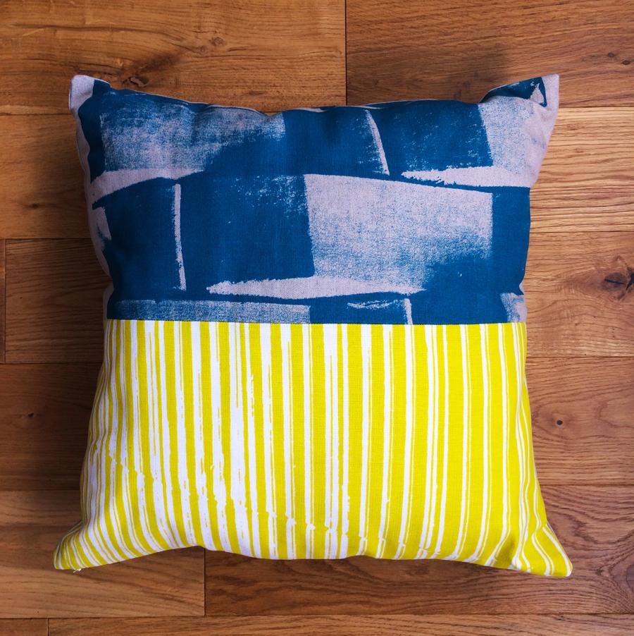 MHouse_linen cushion_Brick_300dpi.jpg