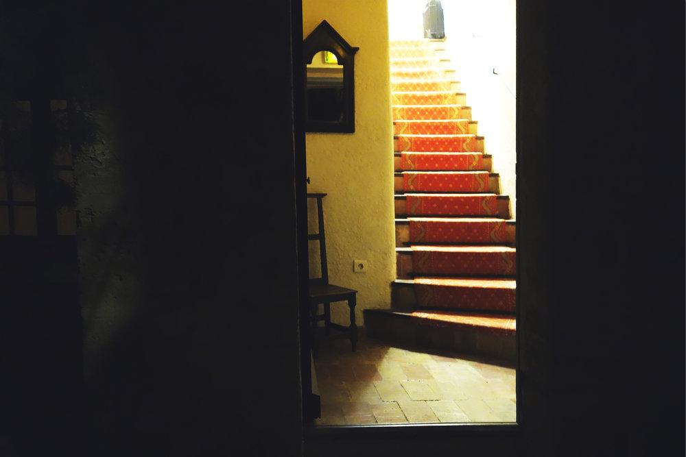 DSC00101_stairsnight.jpg