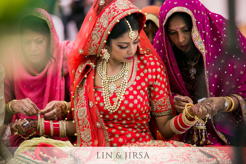 Bride & Jewelry at ceremony.jpg