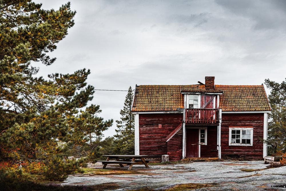 Sophie Dorn - Photography Journal - Åland Islands - Finland - Autumn Ruska Falun Red (29 of 34).jpg