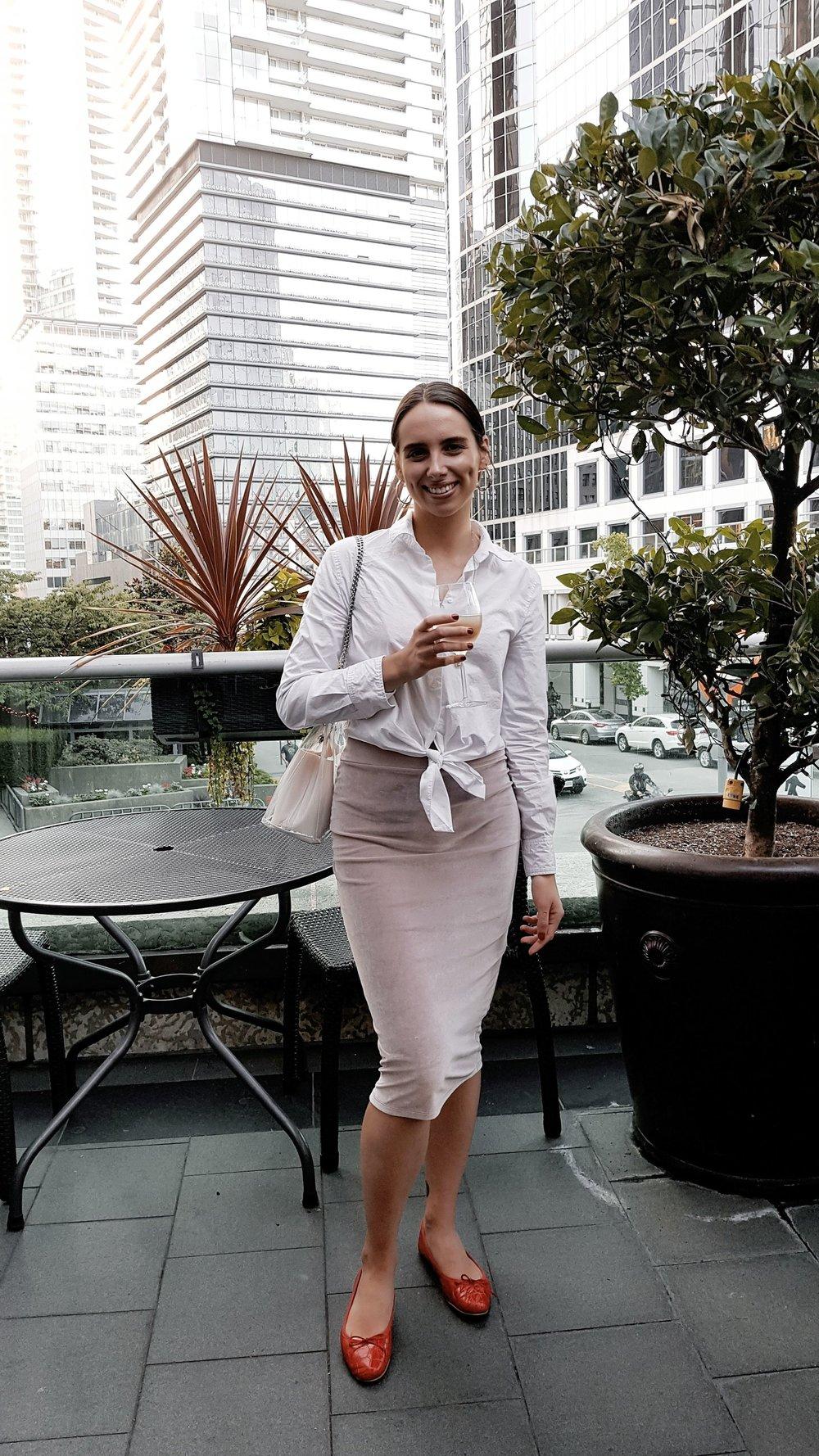 THURSDAY - Aritzia shirt & skirt, Zara flats