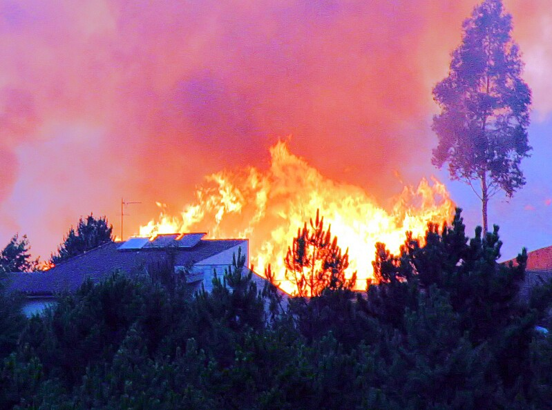 house-in-path-of-wildfire-cc0-morguefile.jpg