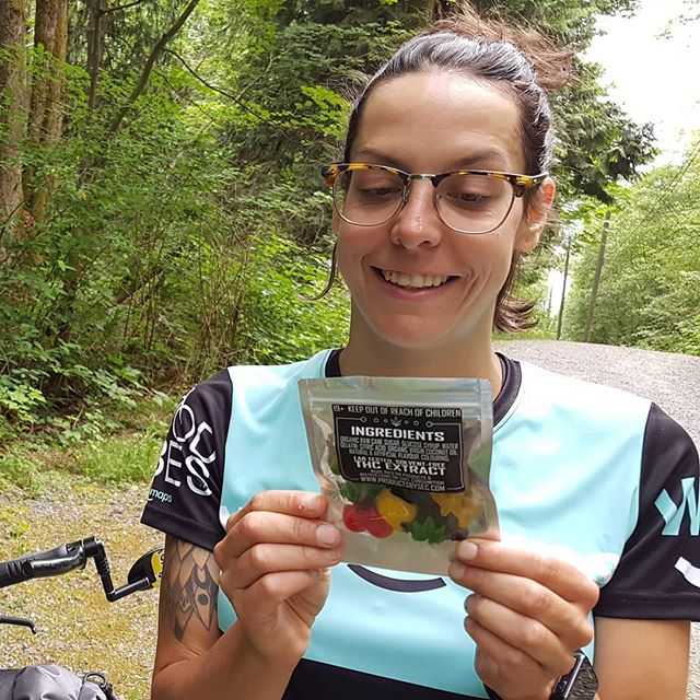 Endurance cycling + low dose @productsbysec edibles are like a match made in 🌱 heaven. We love, love, love the effectiveness, flavour, consistency and fun shapes that all their #labtested, #distillate infused #gummies come in! But have no fear, if low dose isn't your thing they've got #highdose goodies too!  #thegoodvibestour #productsbysec #cannaedibles #edibles #cannafam #microdose #optimize #lowdose #fuckthatsdelicious #cannabisinfused #adventureduo #ourwildlife #bikepacking #enduranceathlete #breakfastofchampions #saladlove #eatyourgreens #fueledbythc #weedmaps #canadianstoners #craftcannabis #legalizeit #plantsoverpills