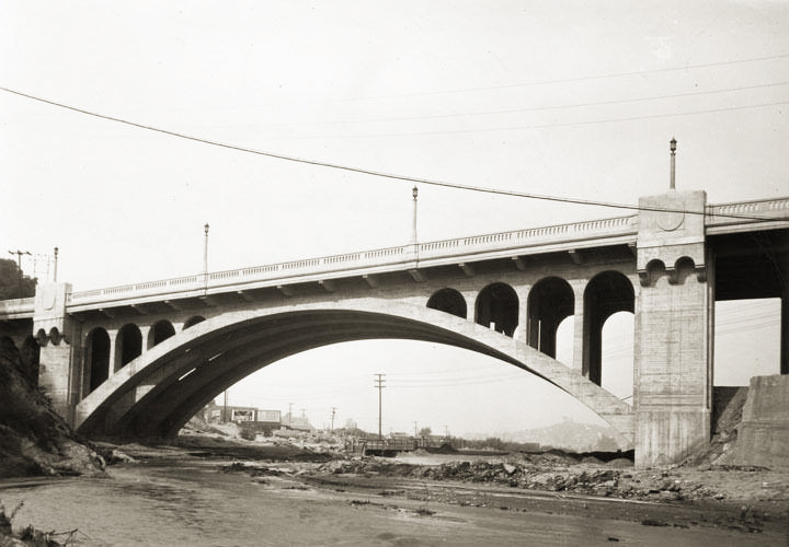 22. Dayton Avenue Bridge, 1928