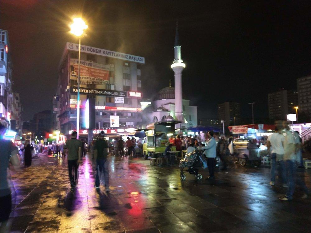 Istanbul night 2018.jpg