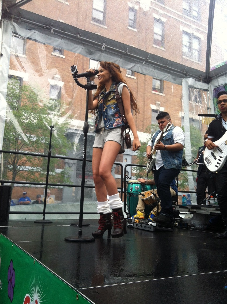 leslie grace concert gain bronx be chic mag