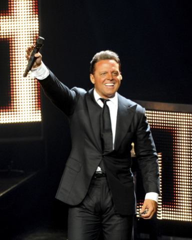 luis miguel be chic mag