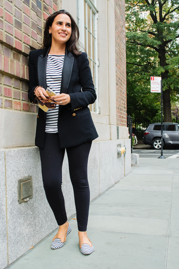 black blazer and fashion blogger and be chic mag