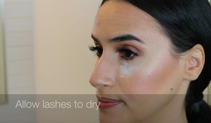 false lashes makeup