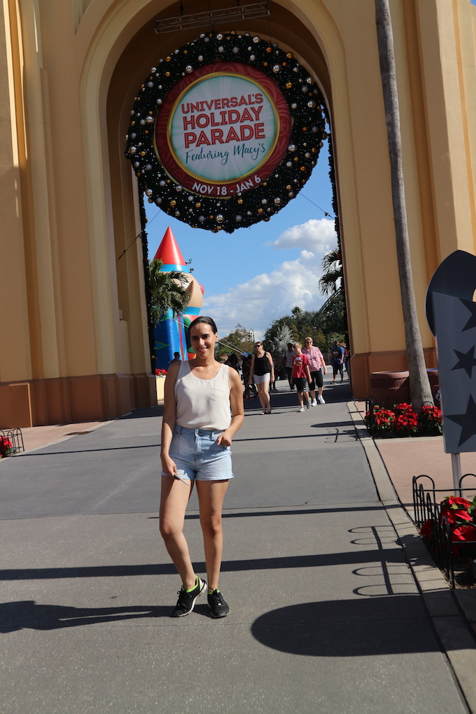 universal holiday macys parade florida.JPG