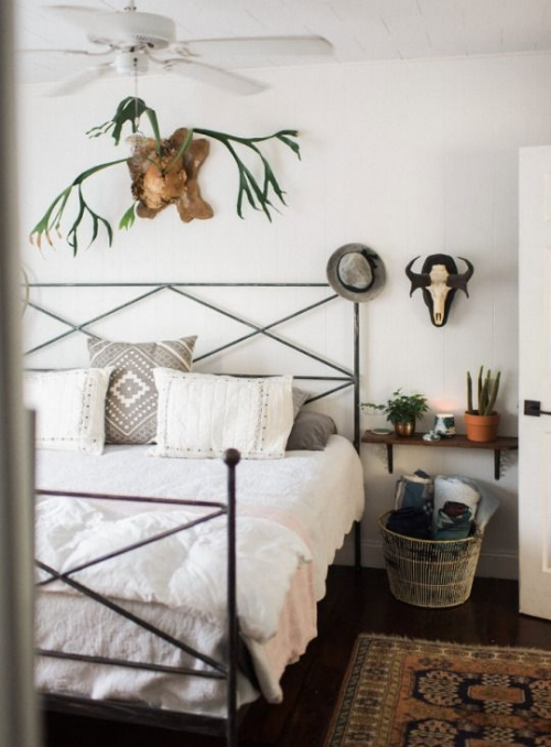 Simplistic Wrought Iron Bed