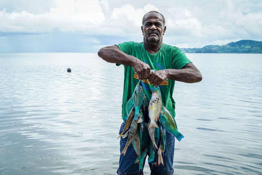 Fijian fisherman | Fiji   ©LaurenKanaChan