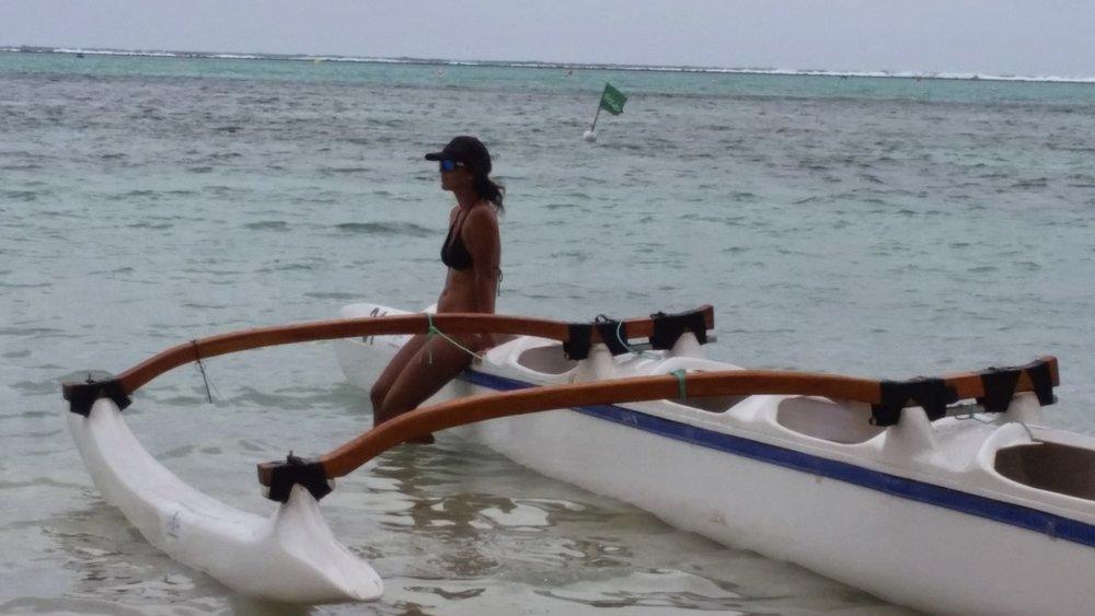 Rarotonga pit girl vaka.jpg