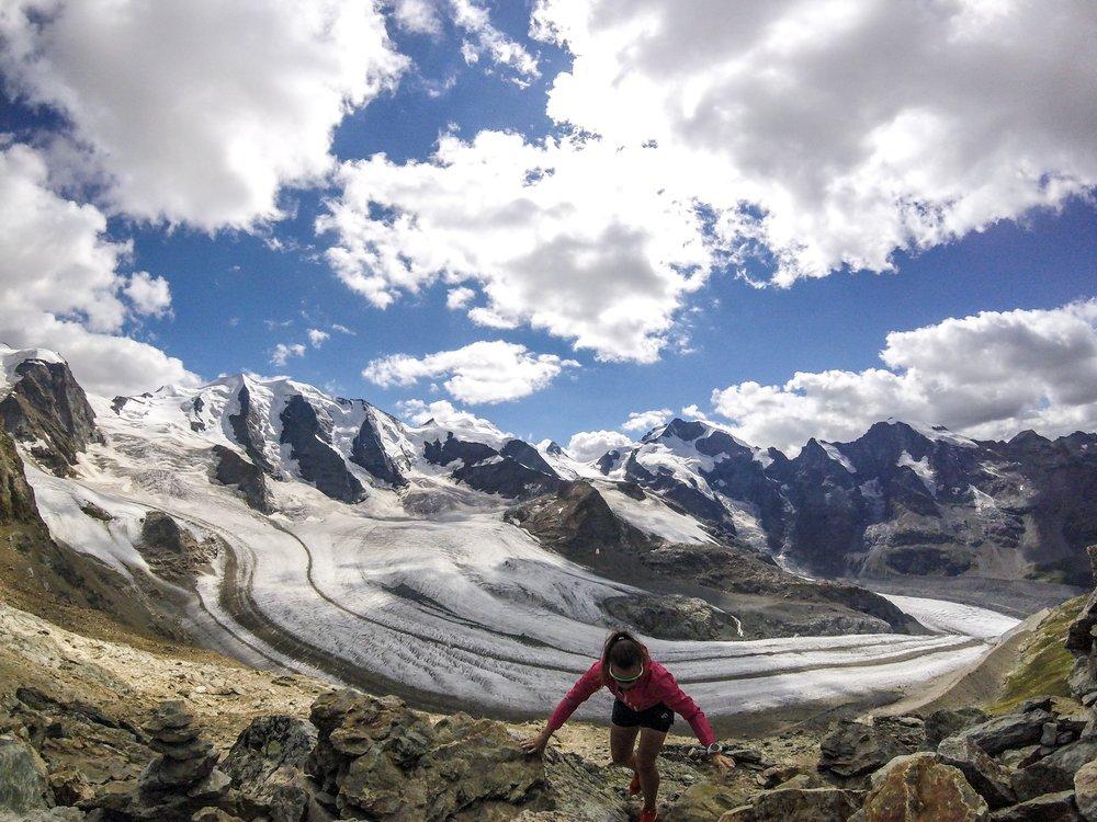 ... paitsi silloin, kun maisemassa on jäätikköä ja se edellä mainittu Berninan massiivi.