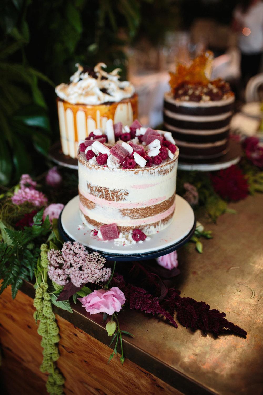Miss Lady Bird Cakes- Cake creator - http://www.missladybirdcakes.com/