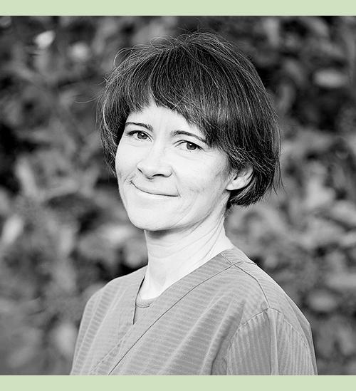 Iris Rastas - Veterinärmedicine licentiatSpecialintressen:-Tandvård-Kirurgi-AkupunkturSpråk: finska, svenska, engelska