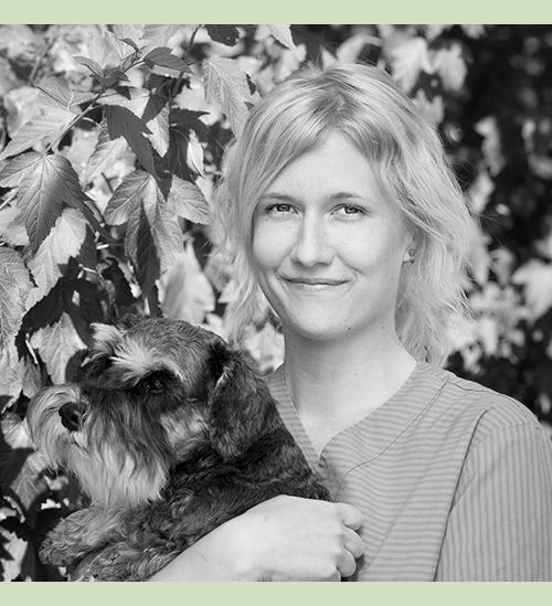 Sanna-Mari Huopalahti (Äitiyslomalla)  Klinikkaeläinhoitaja Palvelukielet:suomi, englanti