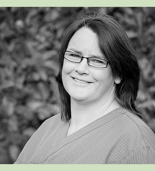 Jaana Jyläntö  Skötare Språk: finska, engelska