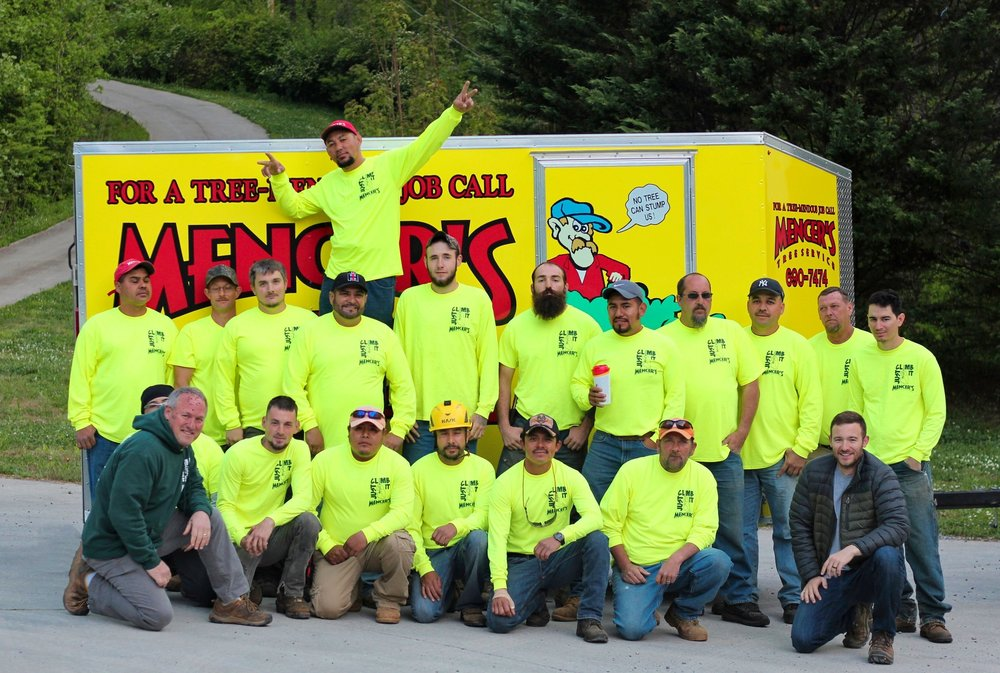 Mencer's Tree Service crew of tree care professionals