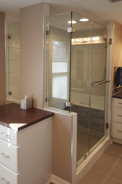 glass enclosure for bathroom
