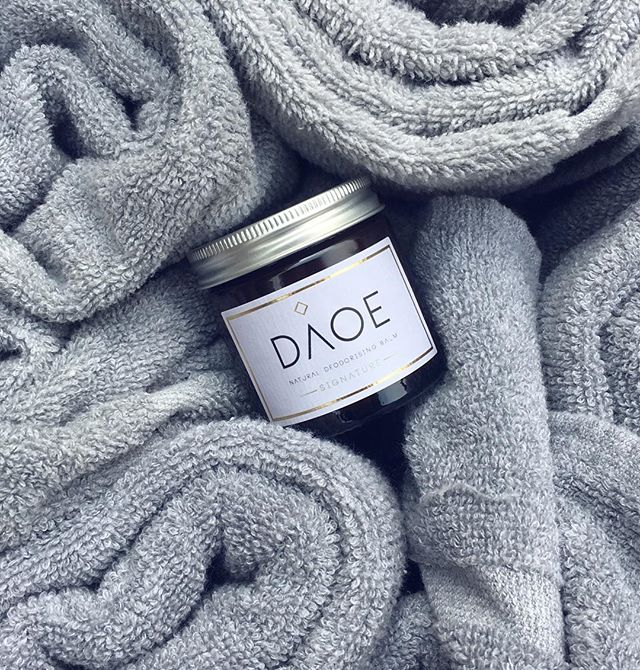 Today is one, hot, Monday 🌞Don't forget to keep your pot the right side up in weather like this. The all-natural ingredients become a more liquid consistency above 26 degrees, no preservatives here people! . . . . #staycool #naturalluxury #naturaldeodorant #deodorant #daoecosmetics #naturalbeauty #odoureliminator #mondayvibes
