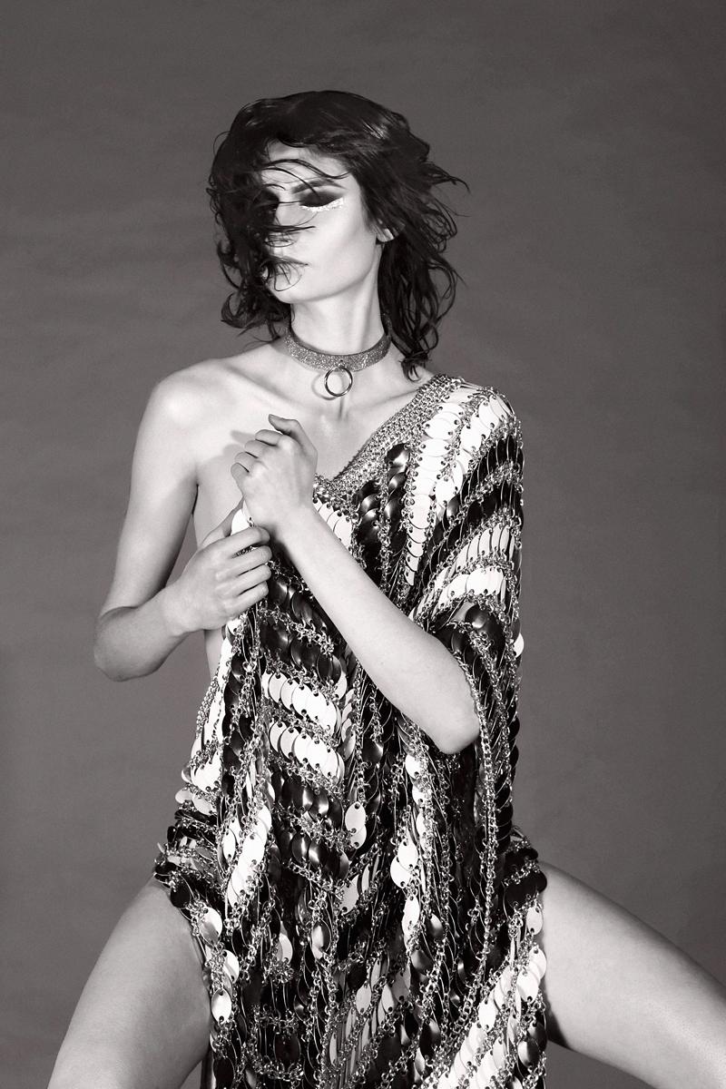 Dress  Laurel Dewit, Necklace  ISLY