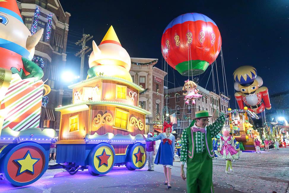 Universal's Holiday Parade, Featuring Macy's - Universal Orlando