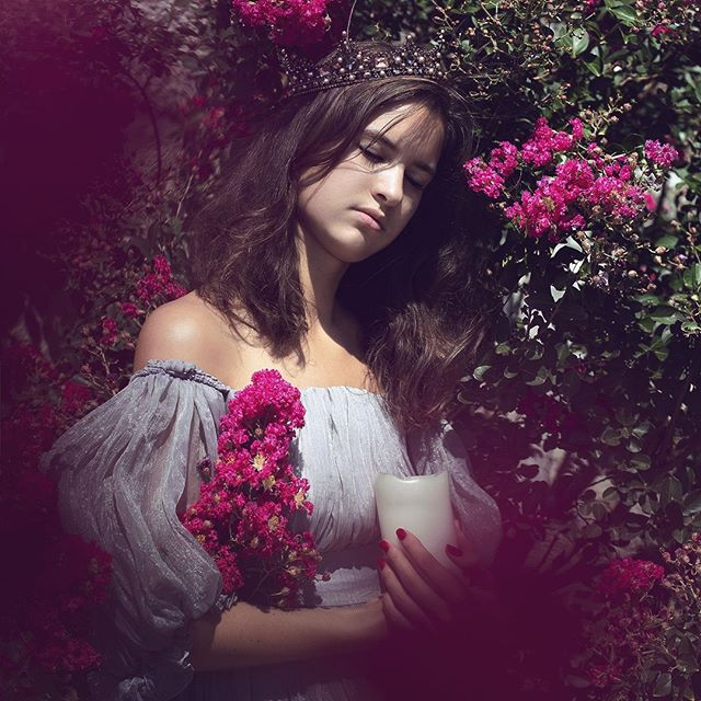 My beautiful sister 💜 Photo : @alinebartoli . . . . . . #portrait #parisphotographer #photographeparis #parisphotoshoot #moodygram  #fairytalephotography #existinphoto #printyourphotos #photographysouls #flowerportrait  #fairytale #suebrycestyle #faeriemagazine #natureportrait #portraitphotographer  #portraitphotography #princesses #queen #portraitsoniriques #womenarebeautiful  #fineartphotography #crown #finearttangledinfilm #fantasyphotography #floralportrait #womanphotographer #darkphotography #longdress #moody #portrait_perfection