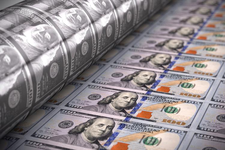 USA-dolar-tiskárna_shutterstock_334002650.jpg