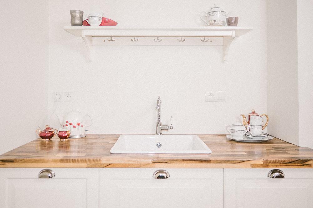 the kitchenette at palace osowa sien's weichselkirschen suite